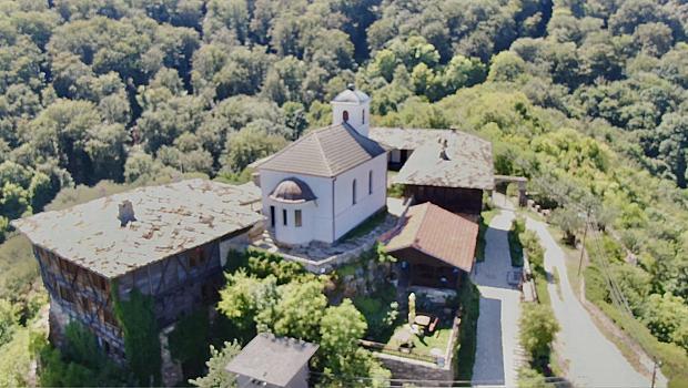 10 любопитни факта за Гложенския манастир, които може би не знаете