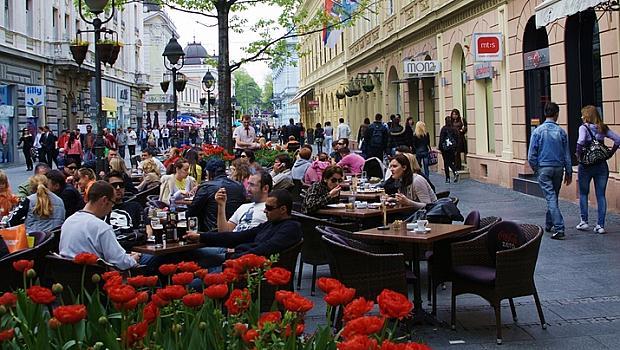 В Белград въвеждат извънредно положение