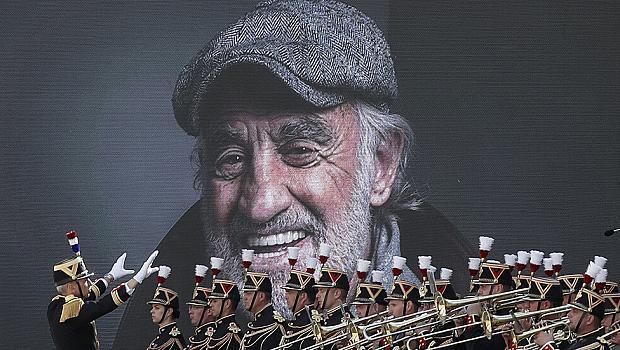 Франция се прощава с легендата Белмондо