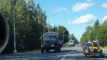 Камиони се придвижват от Русия към Беларус