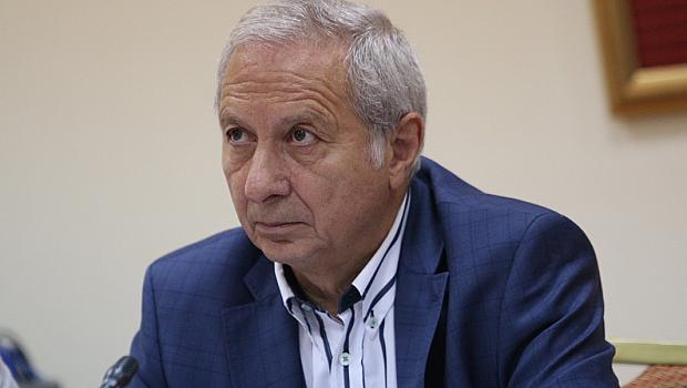 Проф. Герджиков: Няма джиро, а пунта мара. Попов е собственик на Левски