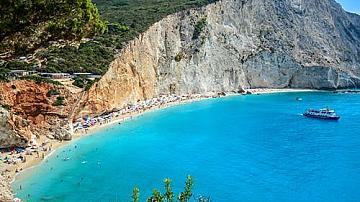 Влизаме в Гърция с електронен формуляр и код