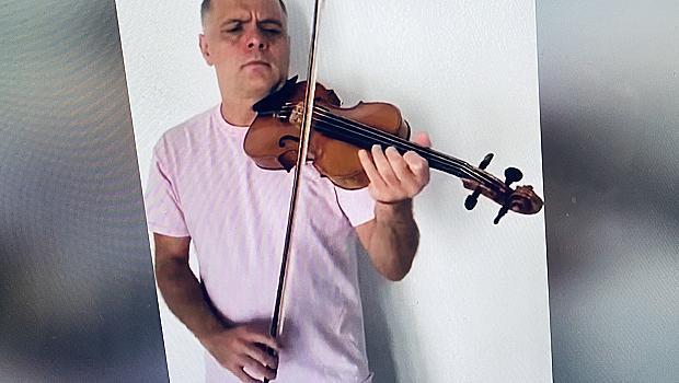 Васко Василев отменя турнето си в България
