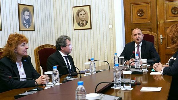 Започнаха консултациите за правителство при президента