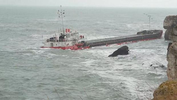 """Заспал моряк на вахта е вероятната причина за засядането на """"Вера Су"""""""