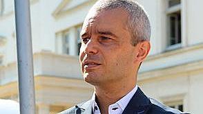 """Лидерът на """"Възраждане"""" Костадинов - кандидат за президент"""