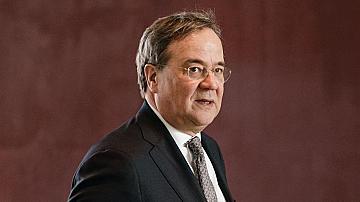 Премиерът на Северен Рейн-Вестфалия се извини