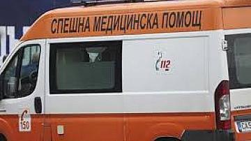 Момиче във Враца пострада тежко, кола я удари на зебра