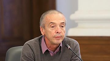Мангъров: Новият здравен министър да отмени мерките