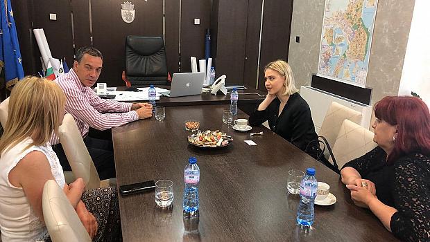 Мария Бакалова се срещна с кмета на Бургас