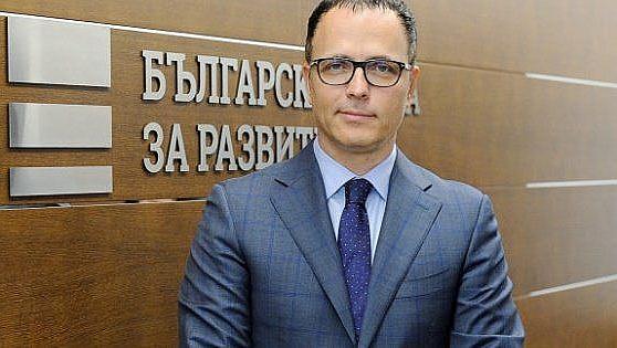Борисов уволни шефът на ББР сутринта. Премиерът е подведен, обяви Мавродиев вечерта
