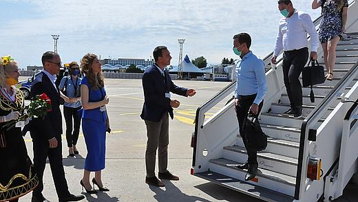 Първи полет с туристи от Холандия!