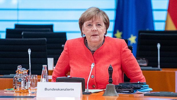"""Край на ерата """"Меркел"""" в Германия"""