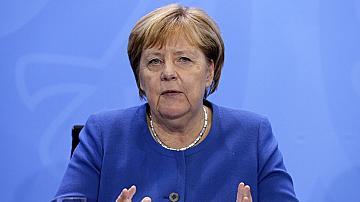 "Меркел : Има  ""скандални"" руски хакерски опити срещу мен"