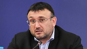 Поискаха оставката на вътрешния министър Младен Маринов