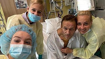 """Навални с първи пост:""""Дишам сам"""""""