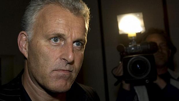 Почина холандския журналист Петер де Врийс