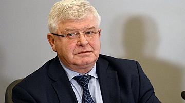 Министър Ананиев отворя кината, сядаме през три места