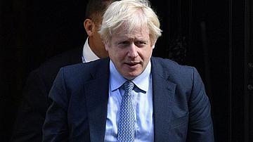 Великобритания стартира система за проследяване на заразените