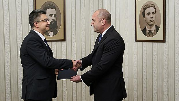 Пламен Николов от ИТН получи мандата за правителство