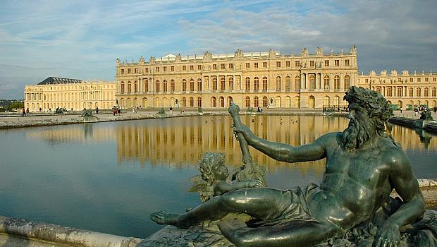 Музеят Прадо и дворецът Версай отвориха за посетители