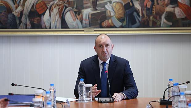 Президентът Радев вика партиите на консултации утре