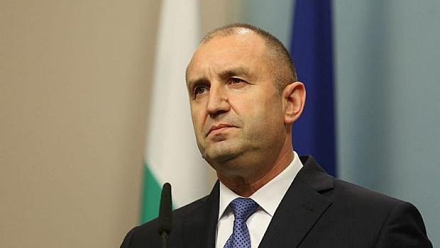 Румен Радев пусна бюджета и   закона за извънредното положение