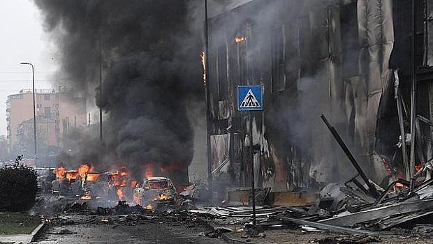 8 души загинаха при самолетна катастрофа в Милано