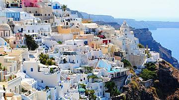 В Гърция отварят заведенията на открито, в Испания - плажовете