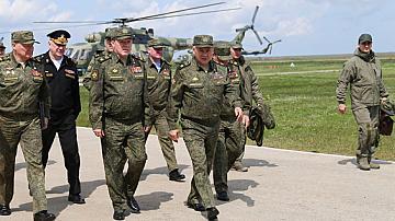 Русия изтегля войските си от границата с Украйна