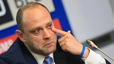Тити Папазов с коронавирус